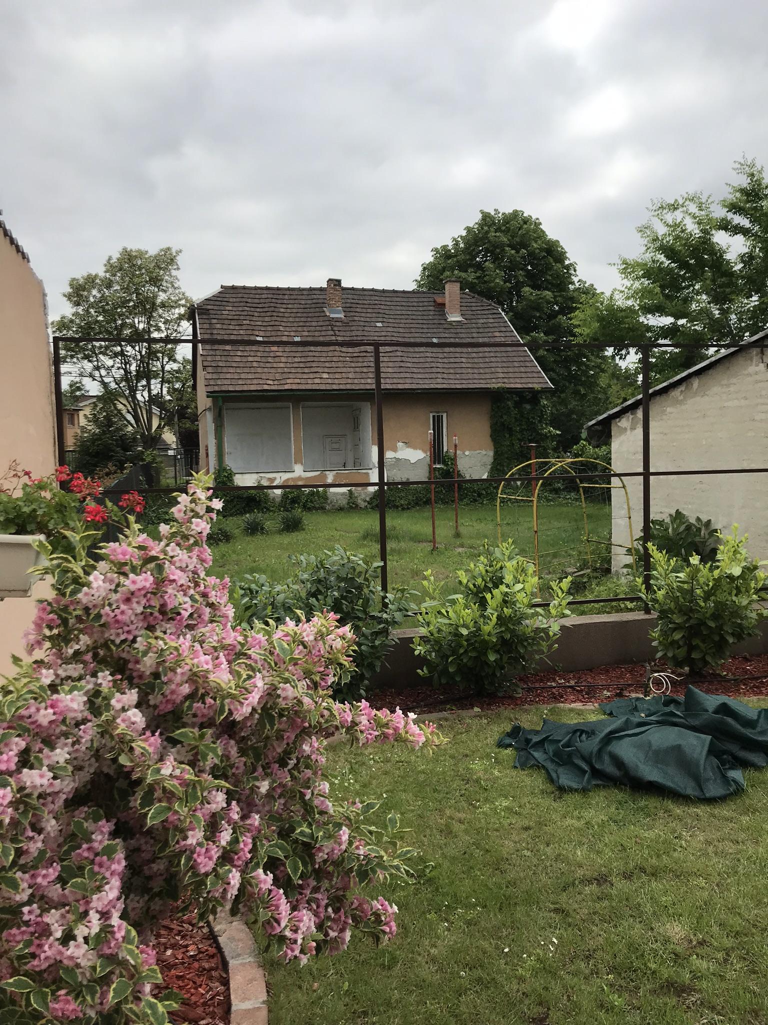 Újpest kerítés Kálvin J.u