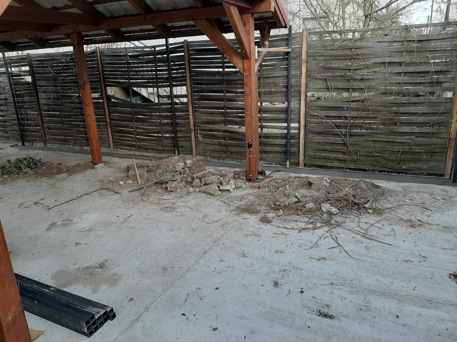 Bp XVIII ker kerítés építés trapézlemezből