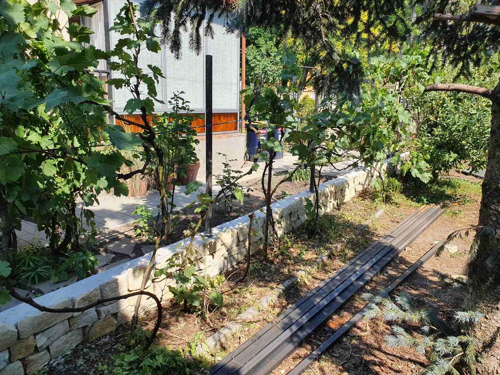 Bp XX ker T8 zsalukő és diszkő kerítés építés