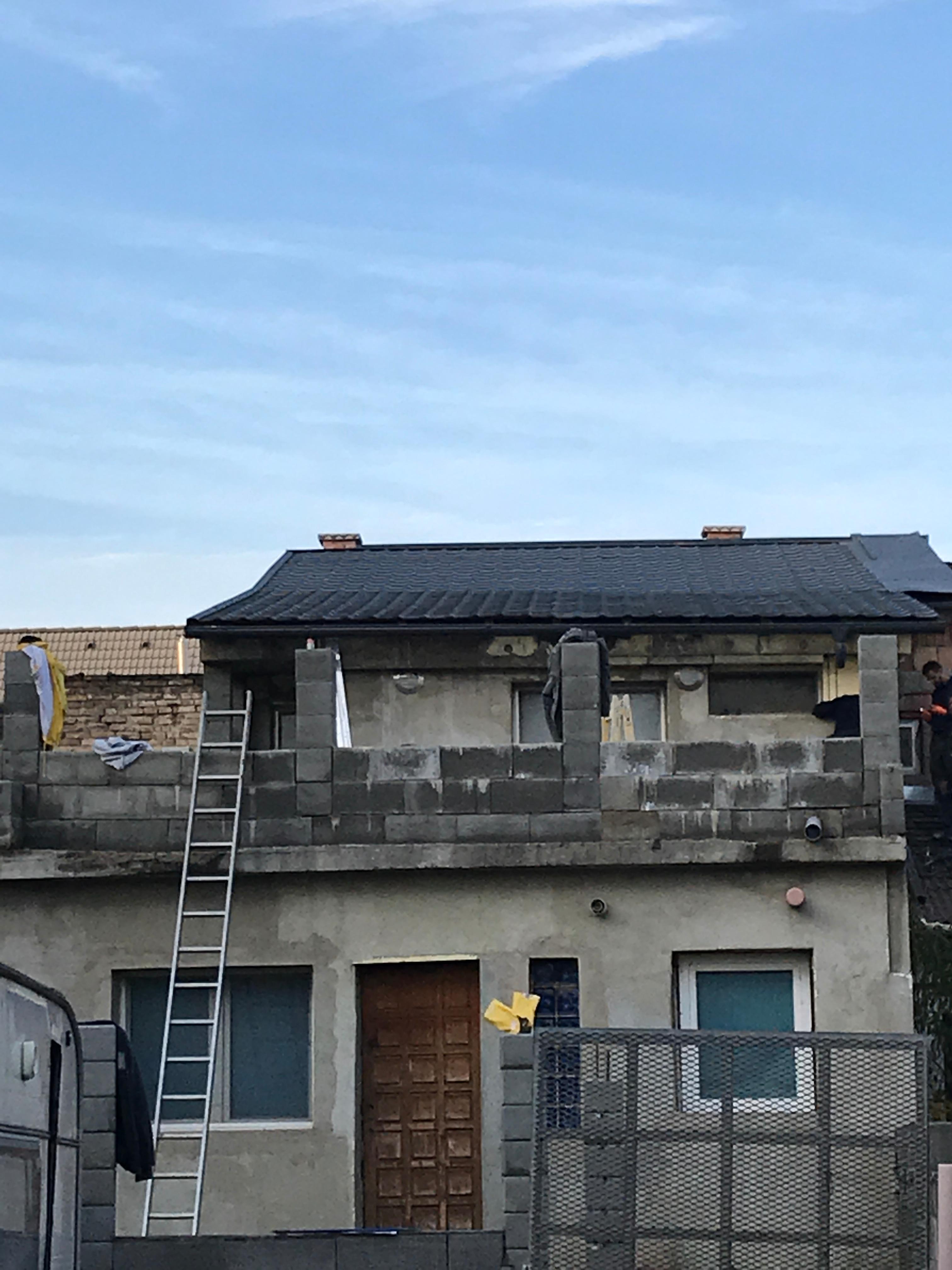 Bp. IV.ker. Chinoin u tető építés
