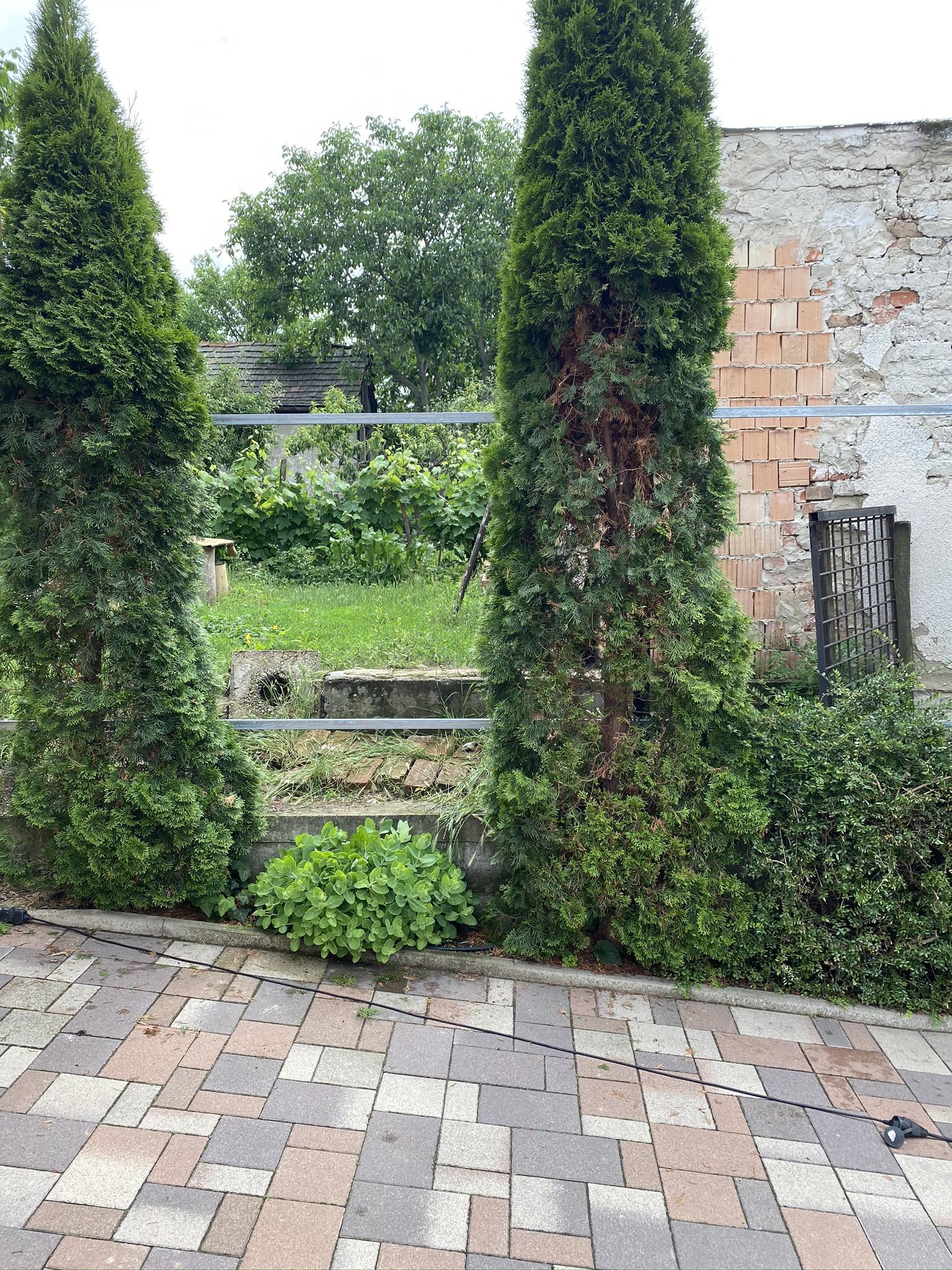 Pécel trapézlemez kerítés építés